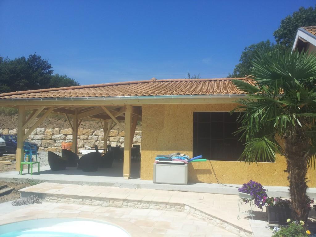 Charpentier-couvreur-zingueur-lyon-pool-house