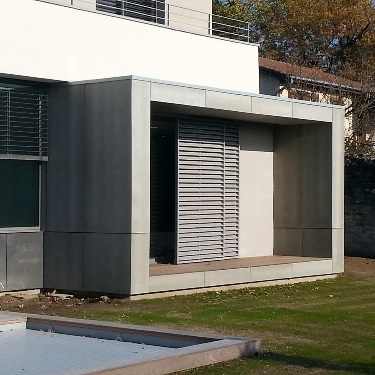 Bardage et terrasse bois mv toiture lyon 69 for Moulure exterieur maison